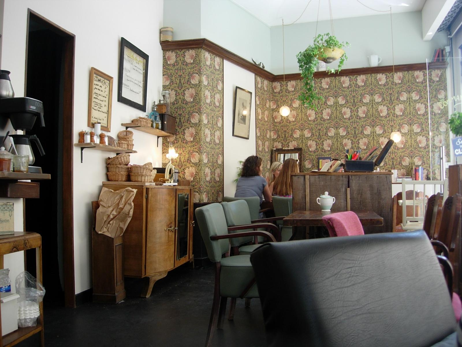 bruncher dans la chambre aux oiseaux mademoiselle bon plan. Black Bedroom Furniture Sets. Home Design Ideas
