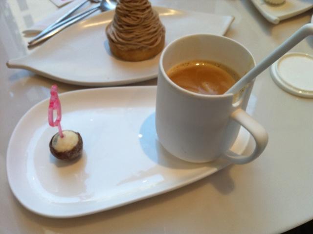Le Caramel Chaud et sa boule au tiramisu Patisserie des Rêves - DR Melle Bon Plan