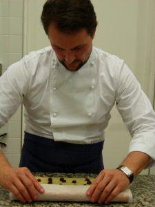 Petit cour de pâtisserie Sébastien Gaudard - DR Melle Bon Plan