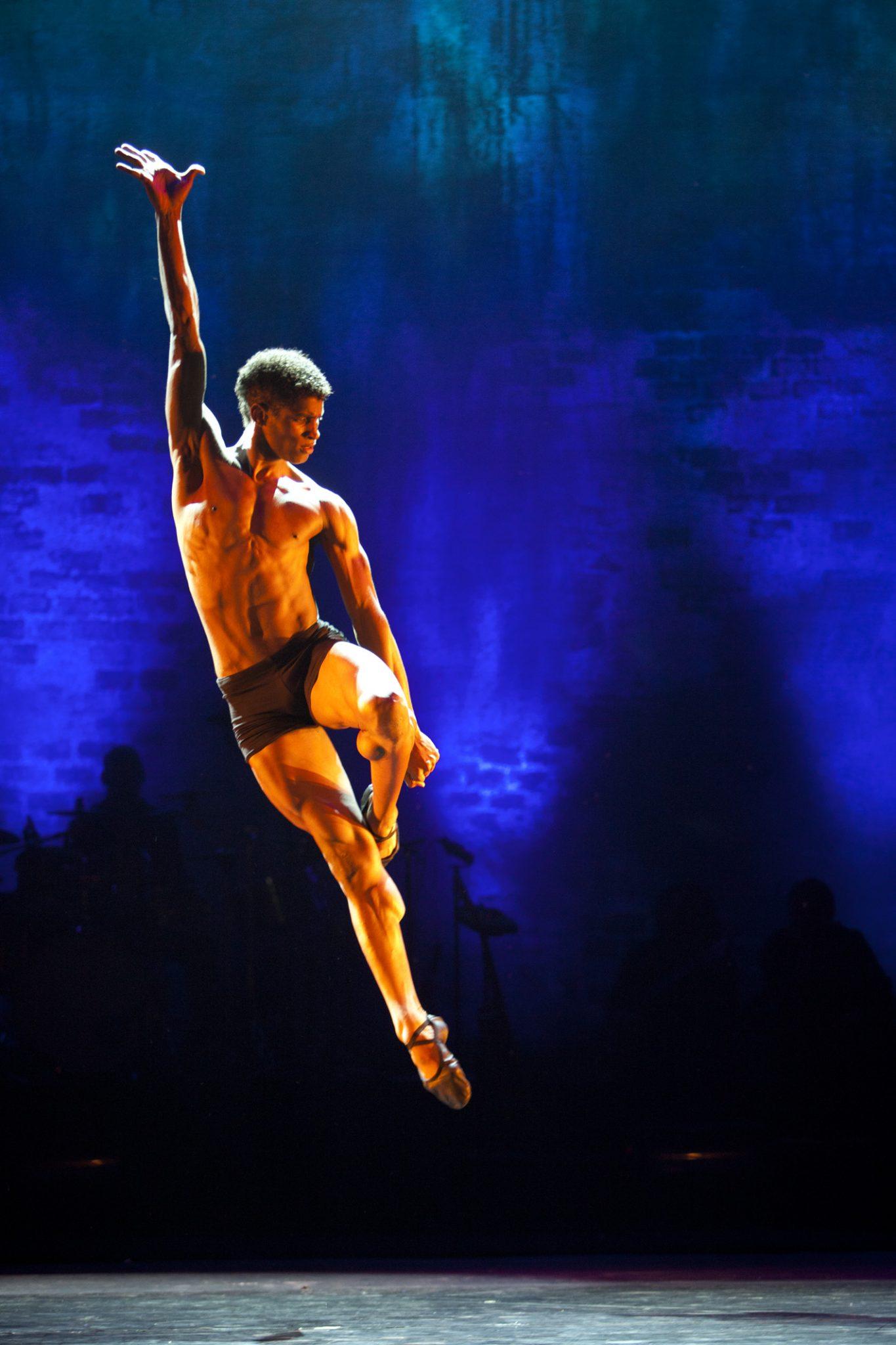 Ballet revolucion casino de paris