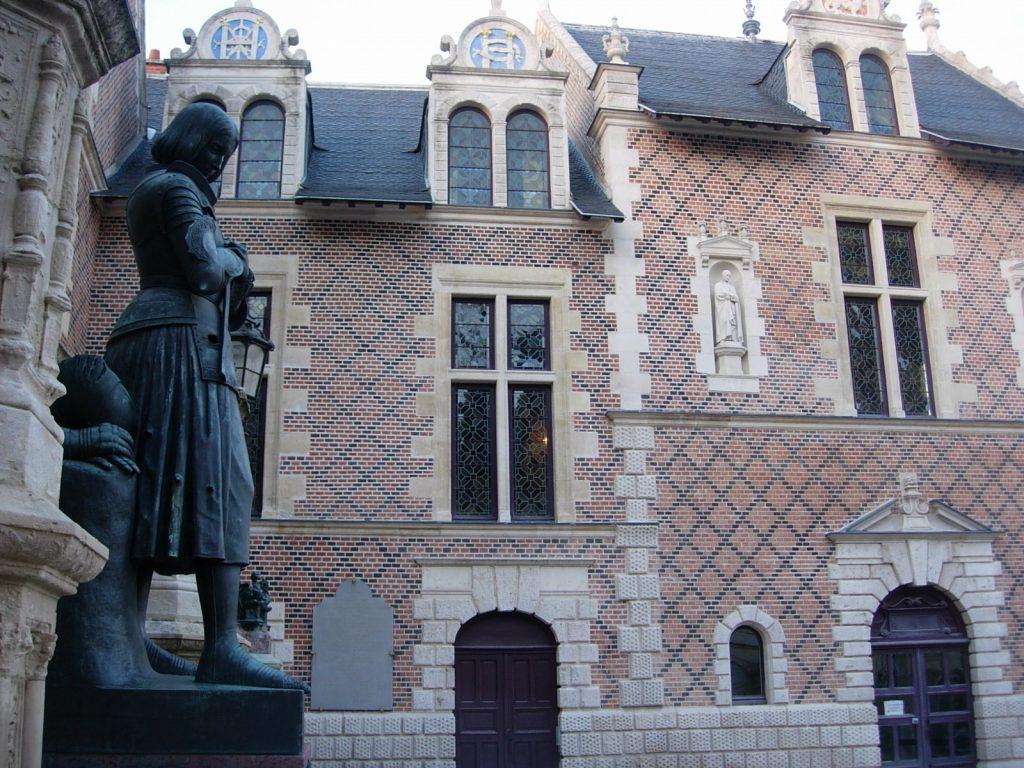 Hôtel Groslot Orléans - DR Melle Bon Plan 2013