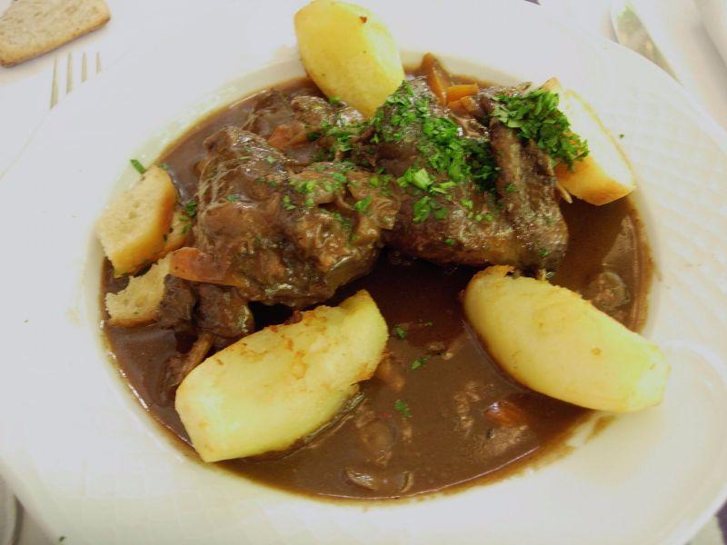 Palombe sauce au vin Hôtel Arraya - DR Melle Bon Plan