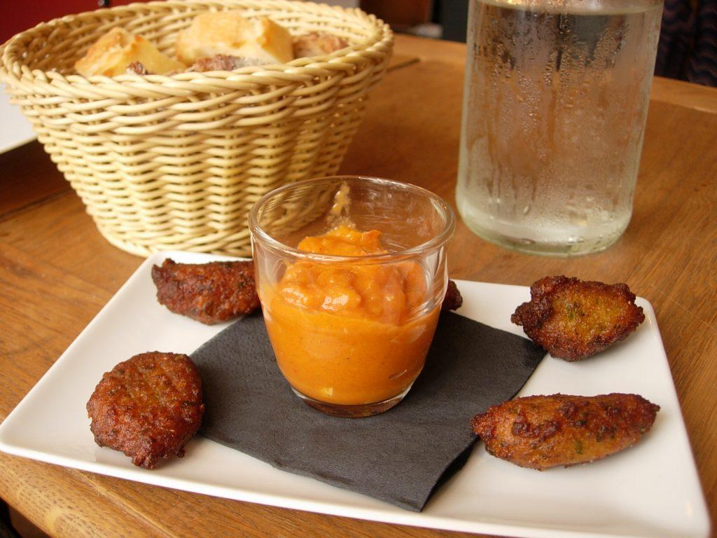 Accras moresque avec sauce au piment d'espelette La Cantine Max y Jeremy - DR Melle Bon Plan