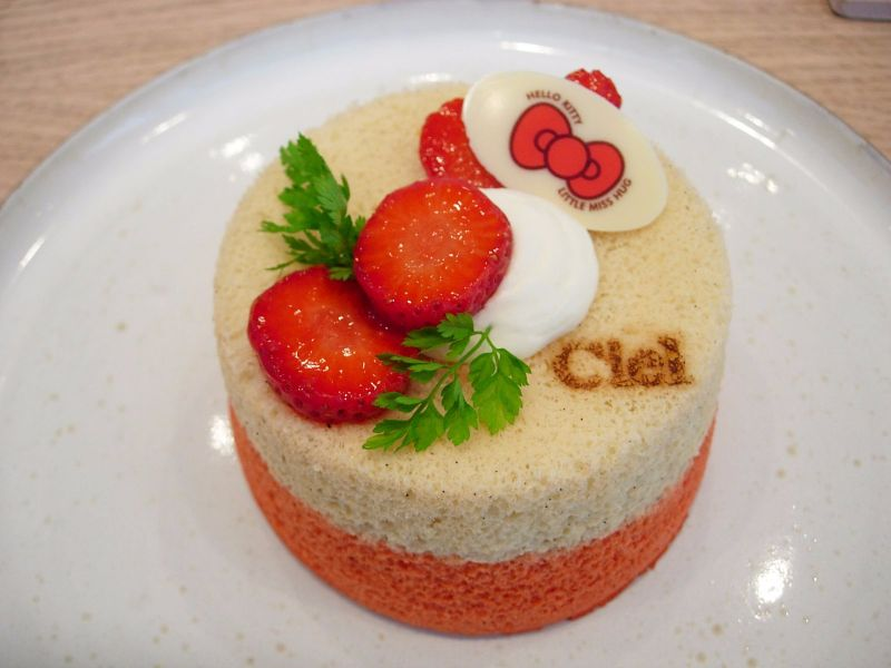 angel cake Hello Kitty Patisserie Ciel - DR Melle Bon Plan