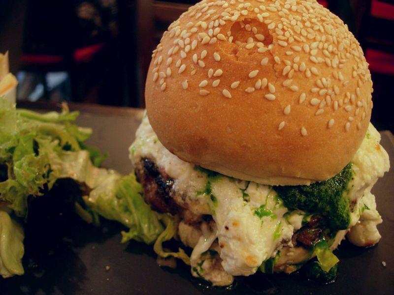 Burger burratta et roquette Bistrot Family - DR Melle Bon Plan