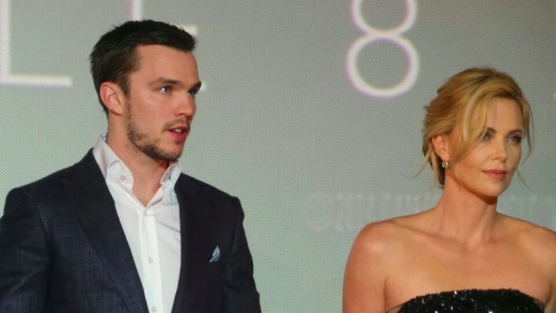 Charlize Theron et Nicholas Hoult