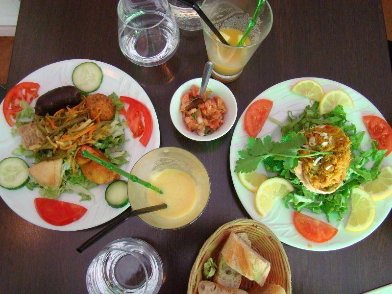 Assiette créole et crabe farci Restaurant Ile de la Réunion Paris - DR Melle Bon Plan