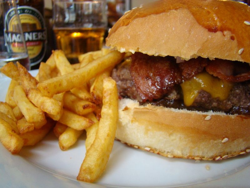 burger Bacon Cheese Roy's Pub - DR Melle Bon Plan