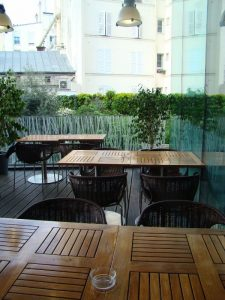 terrasse Bar Makassar du Renaissance Paris Arc de Triomphe - DR Melle Bon Plan