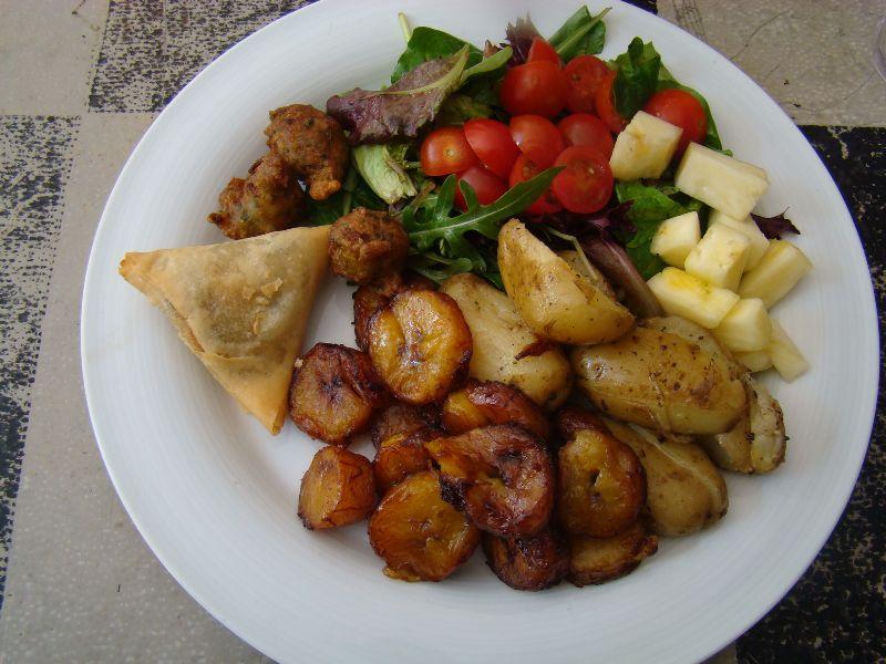 Salade créole Snack Local Le Comptoir Général - DR Melle Bon Plan