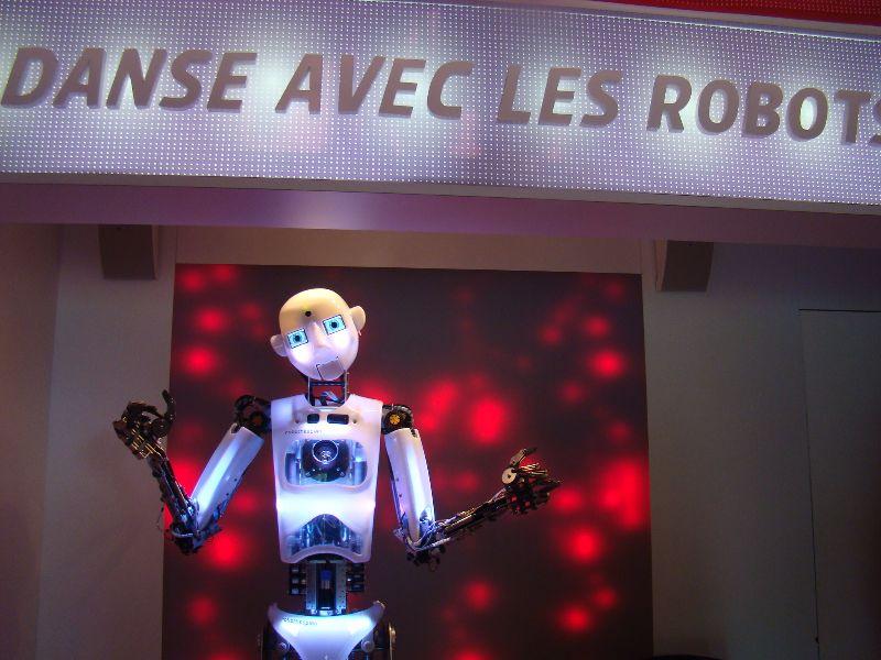 Petit s jour dans la vienne au pays du futuroscope part 1 mademoiselle b - Danse avec robots futuroscope ...