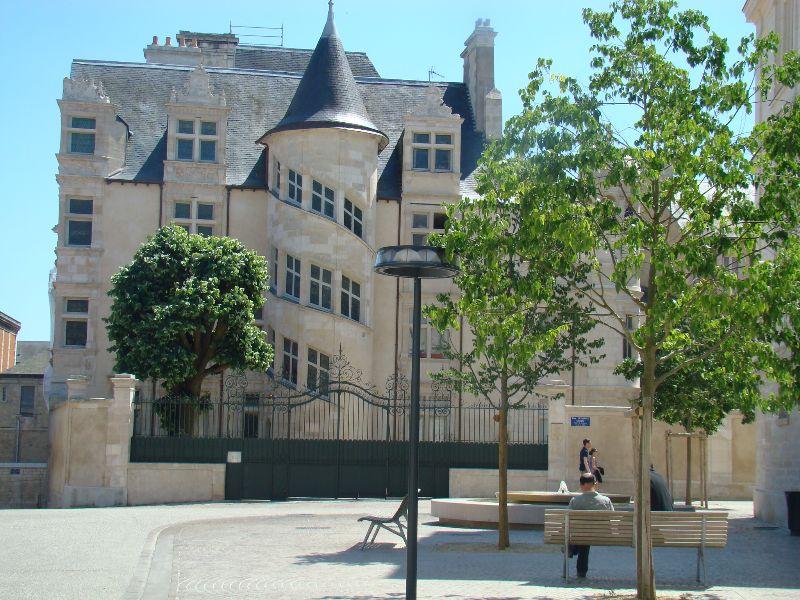 Les Missions de l'Agent R Poitiers - DR Melle Bon Plan