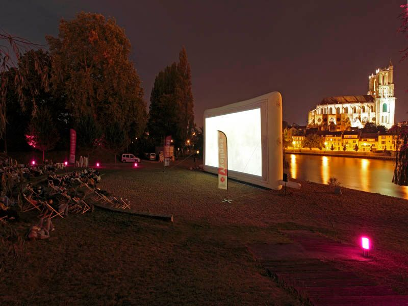 Les-Yvelines-font-leur-cinema_visionnage-800x600
