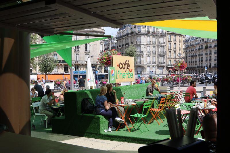 Café sur l'herbe Pepsi Gare de Lyon