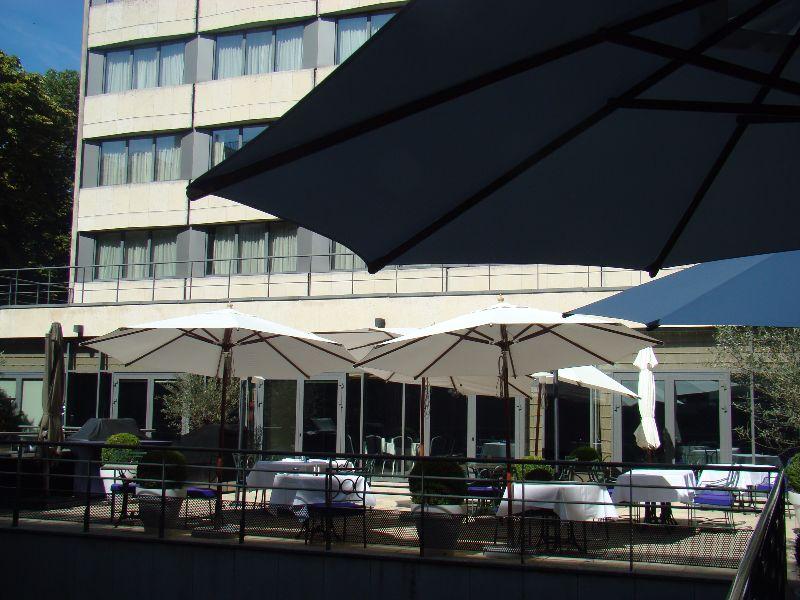 Terrasse Hôtel Mövenpick Paris Neuilly - DR Melle Bon Plan
