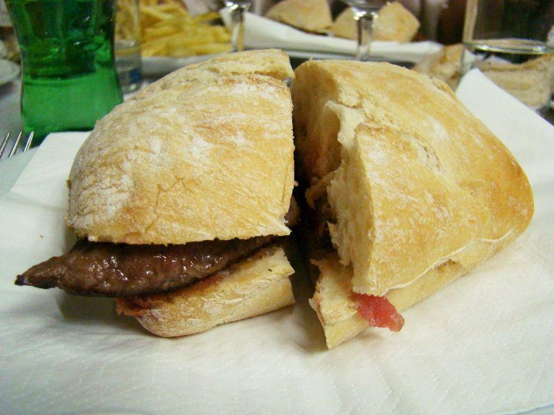 Beefsteak de PregoLe Ribadouro Lisbonne - DR Melle Bon Plan