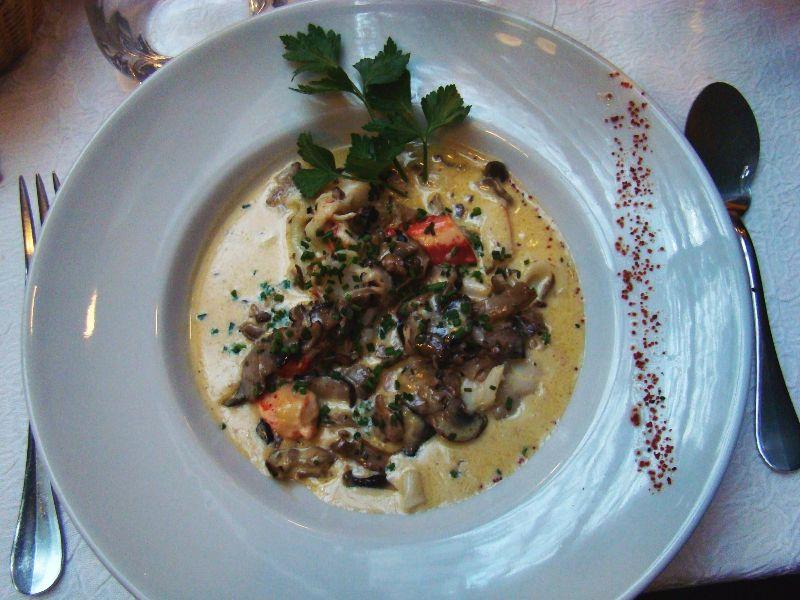 Cassolette de homard et de champignons Lily de Neuilly - Dr Melle Bon Plan