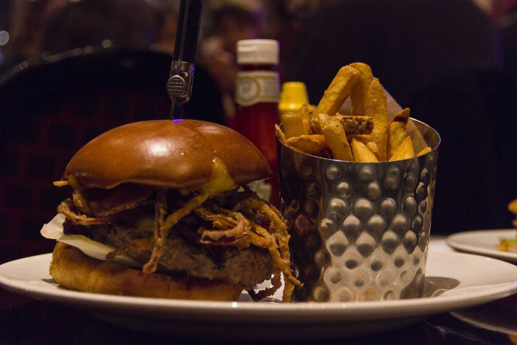 Whiskey Burger Hard Rock Café Paris - DR Nicolas Diolez