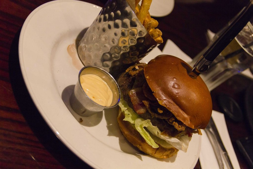 Whiskey Burger Hard Rock Café Paris - DR Nicolas Diolez
