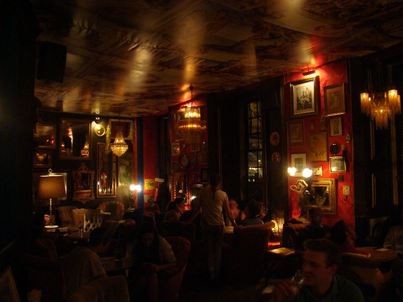 bar Pensão Amor Lisbonne - DR Melle Bon Plan
