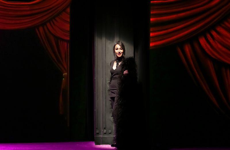 BARBARA ET L'HOMME EN HABIT ROUGE (Théâtre Rive Gauche-Paris14ème) crédit F. RAPPENEAU - 46 HD - Tous droits cédés