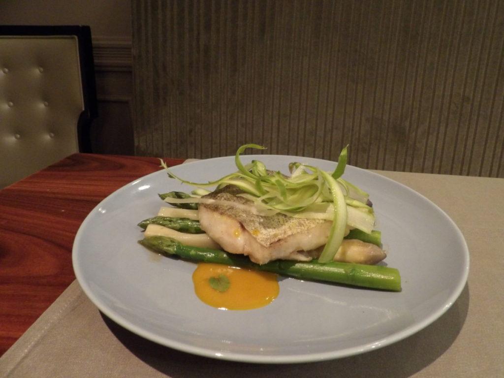poisson asperges Restaurant 16 Haussmann Marriott Opera Ambassador