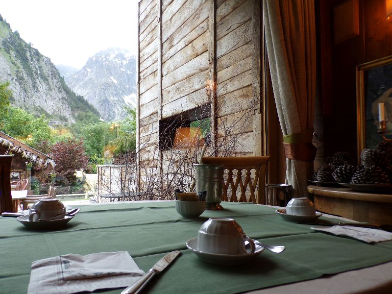 Mon voyage autour du mont blanc dans les h tels chalets de for Auberge de la maison courmayeur italie