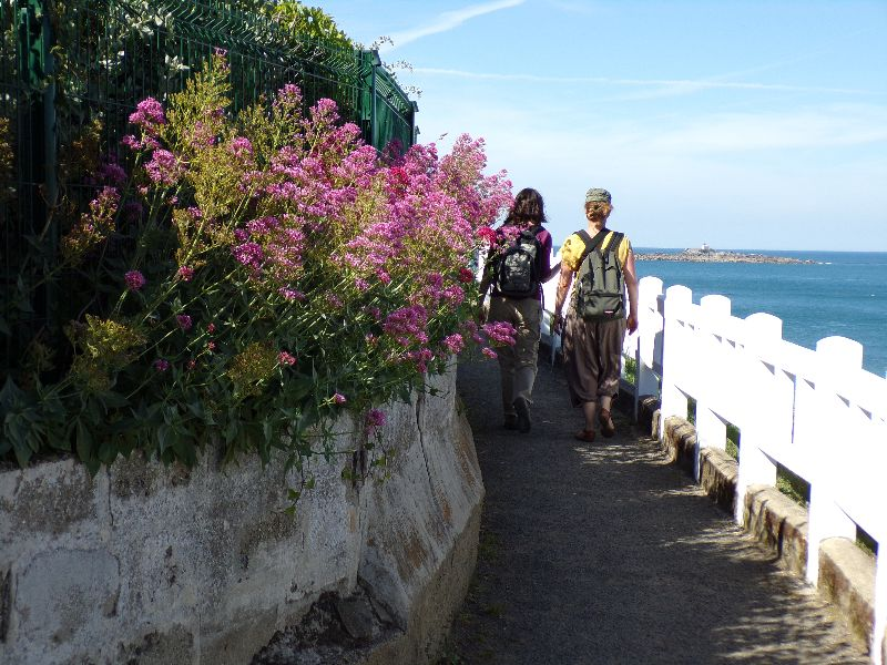 GR 43 sentier des Douaniers Bretagne - DR Melle Bon Plan