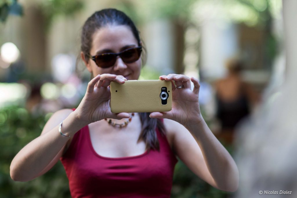 Coque cuir jaune Noreve pour Lumia 950 - DR Nicolas Diolez 2016