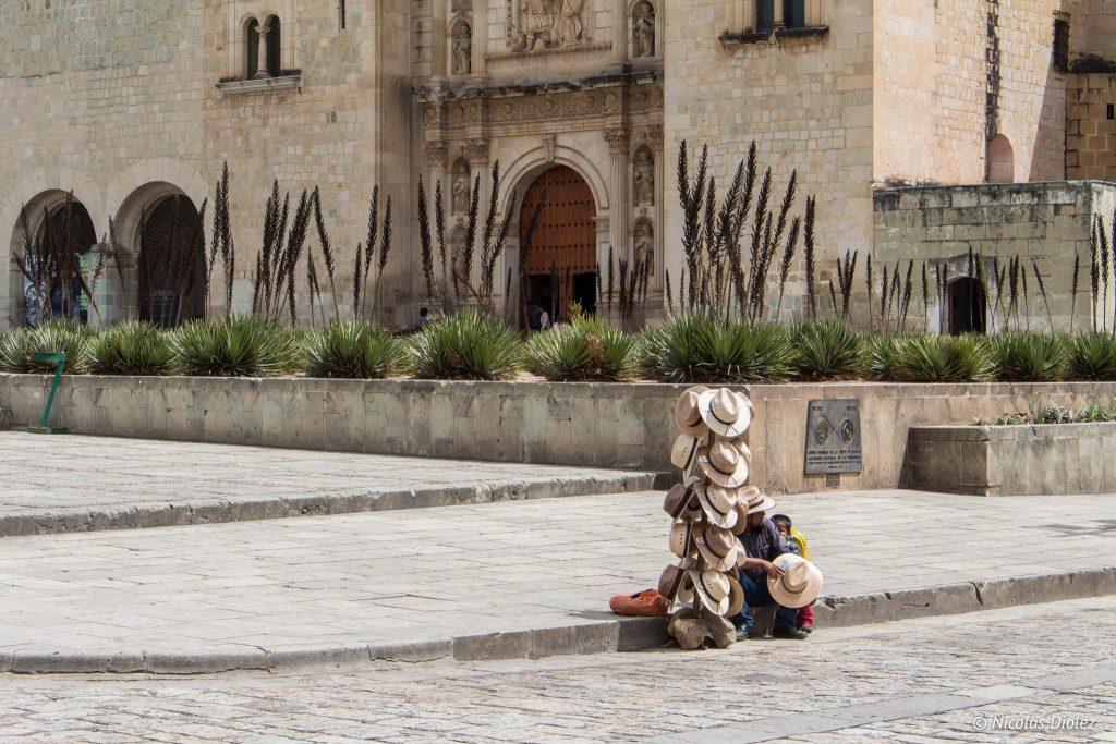 vendeur Chapeaux Oaxaca Mexique - DR Nicolas Diolez 2016
