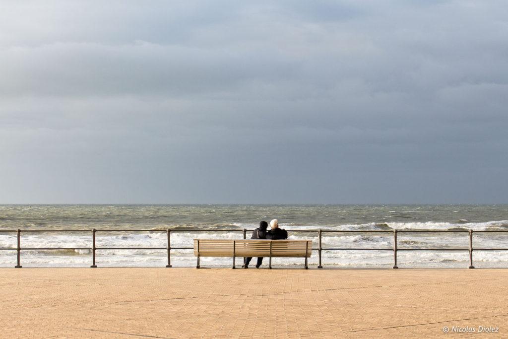 banc couple Mer Ostende Belgique