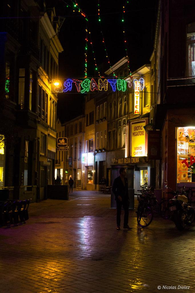 rue la nuit Ostende Belgique