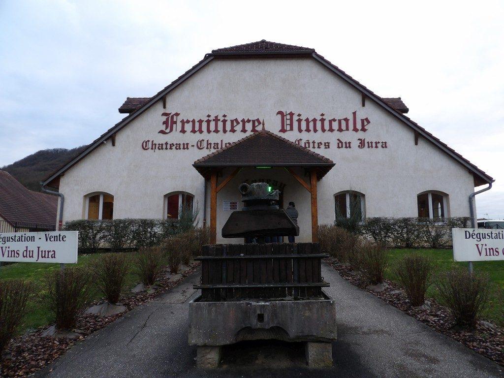 Facade cave de la Fruitière de Voiteur Jura