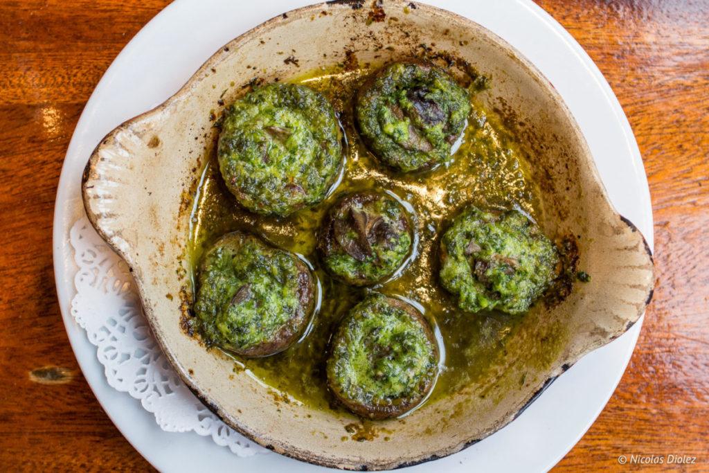 champignons de Paris farcis aux escargots Café des musées