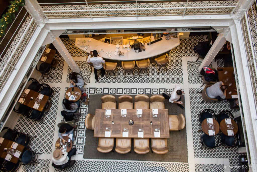 salle vue d'en haut restaurant Les Chouettes Paris