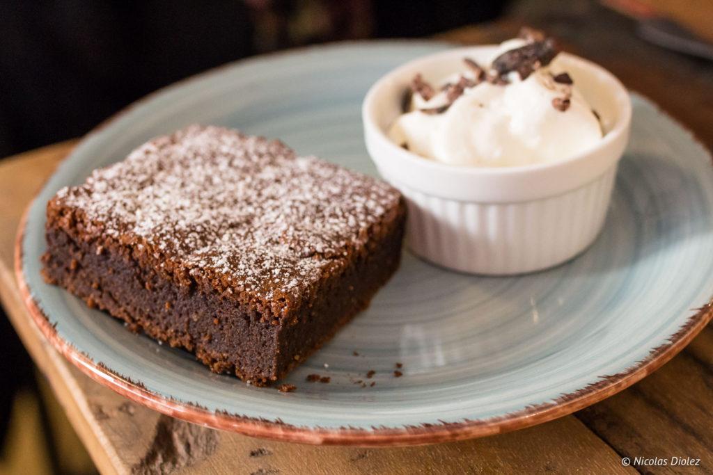 Gateau chocolat Positive Café Versailles