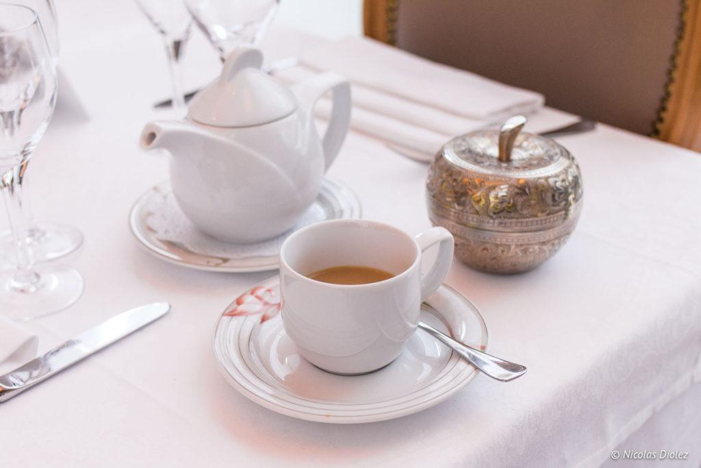 thé indien à la cardamone restaurant Jodhpur Palace Paris