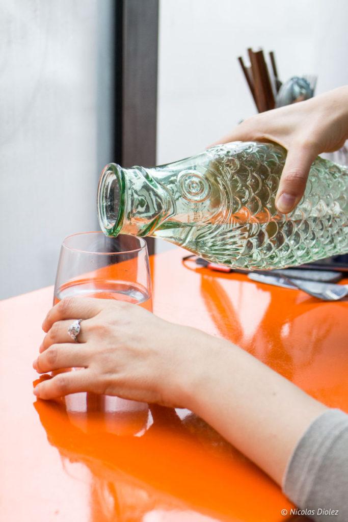 verre eau La Reine Mer Paris