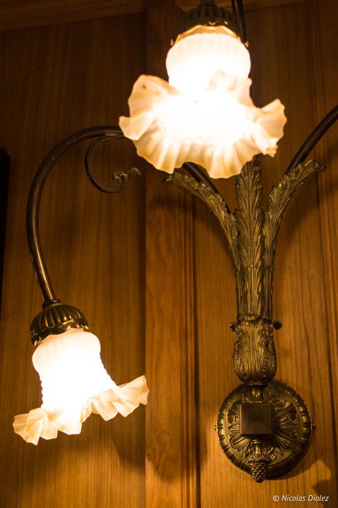 luminaire fleurs Bistrot Benoit Louvre
