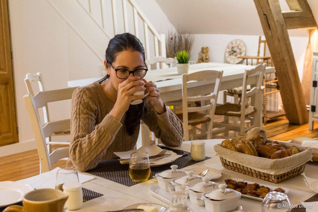 petit déjeuner Chambre d'hôtes la Canotière aux Andelys Eure