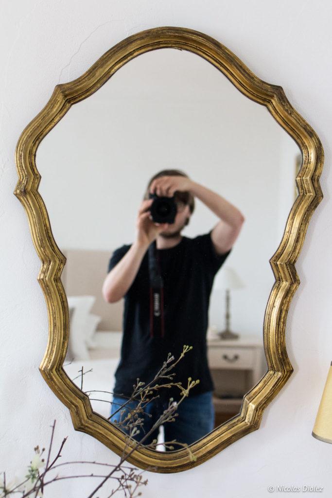 autoportrait miroir Chambre d'hôtes la Canotière aux Andelys Eure