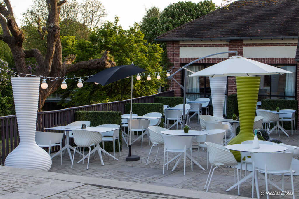 terrasse restaurant Cascade Insolite Eure