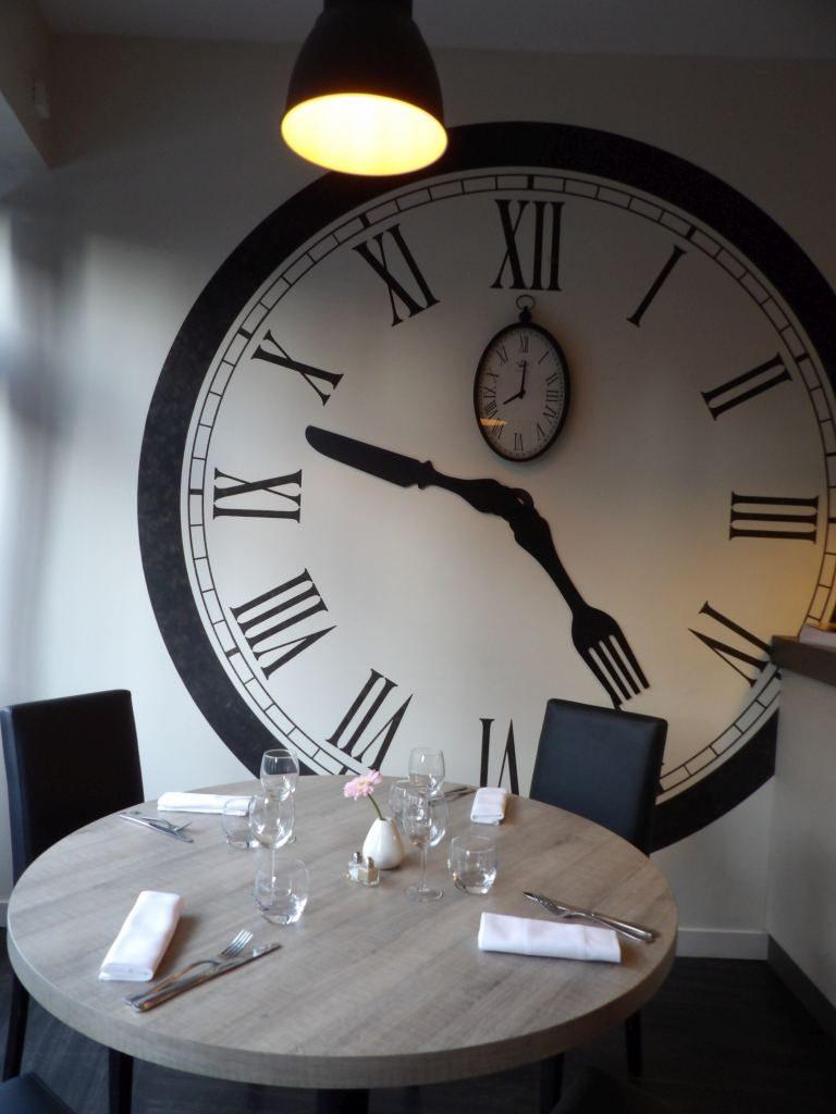 horloge restaurant Au Ptit Bistrot Bayeux Calvados