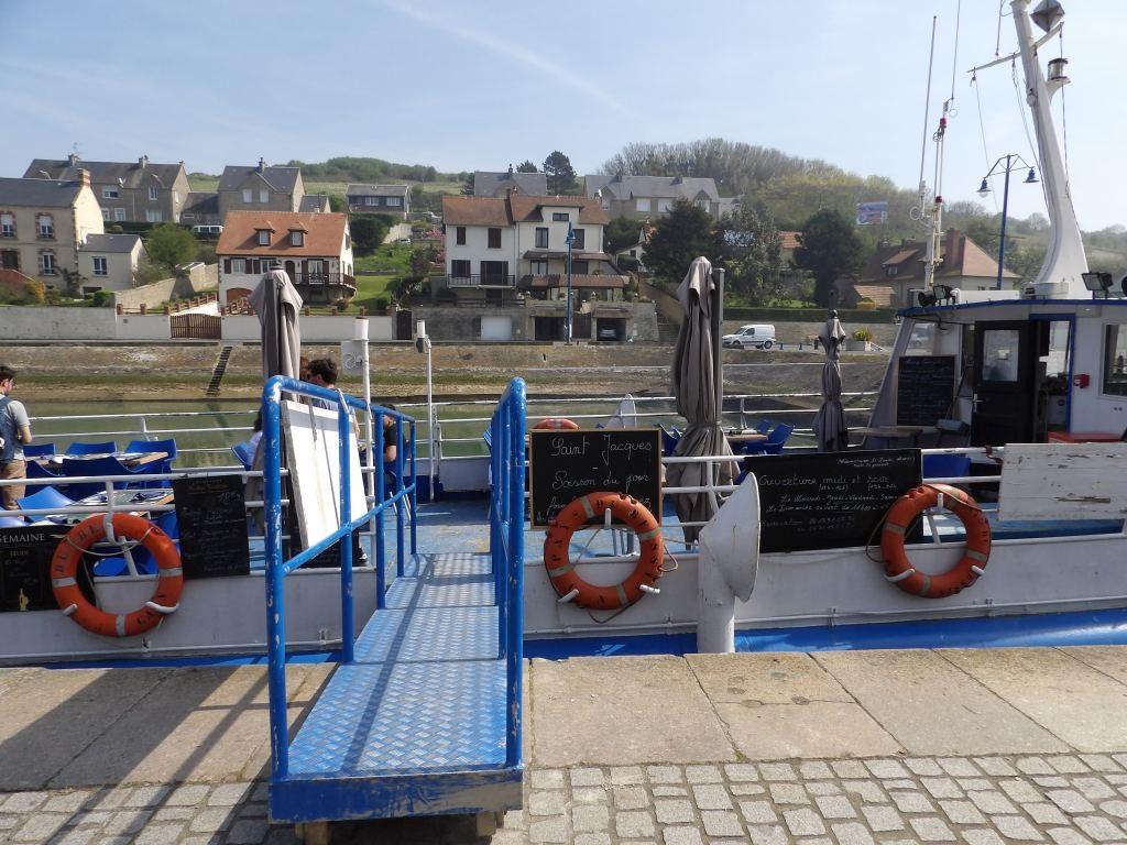 bateau bar Port-en-Bessin Calvados - DR Melle Bon Plan 2018