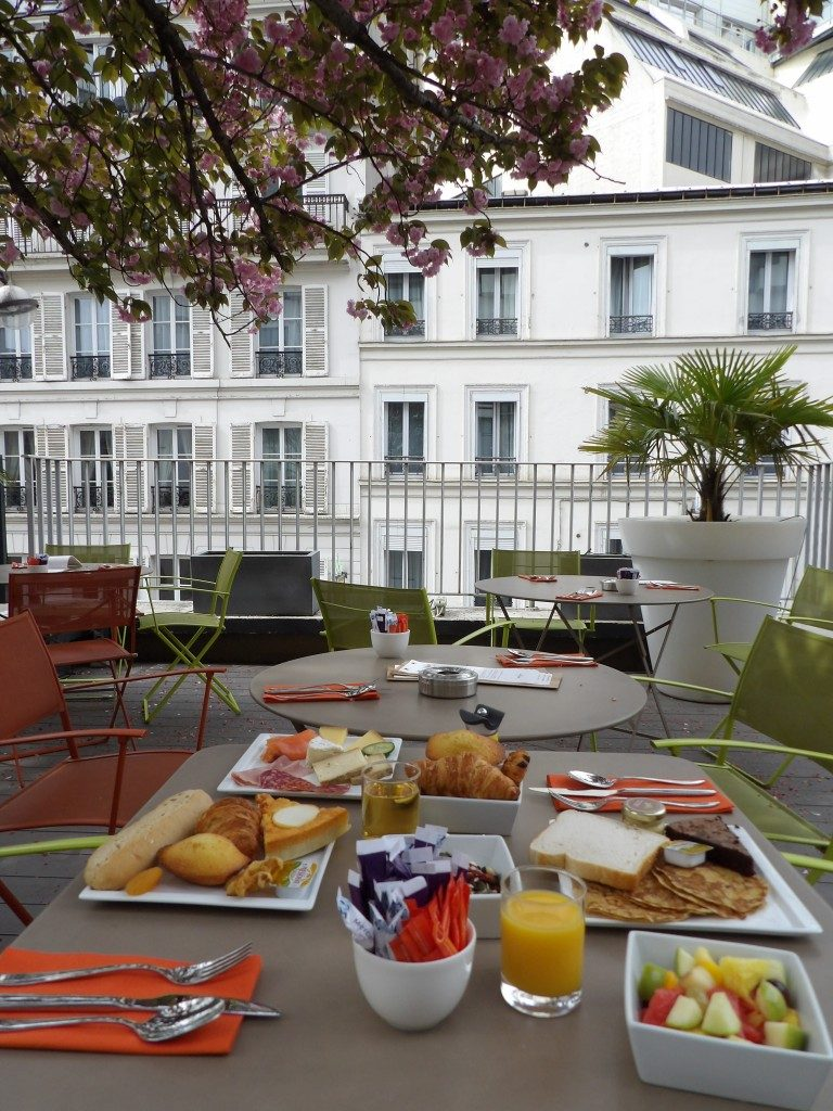 Brunch Mercure Montmartre Paris