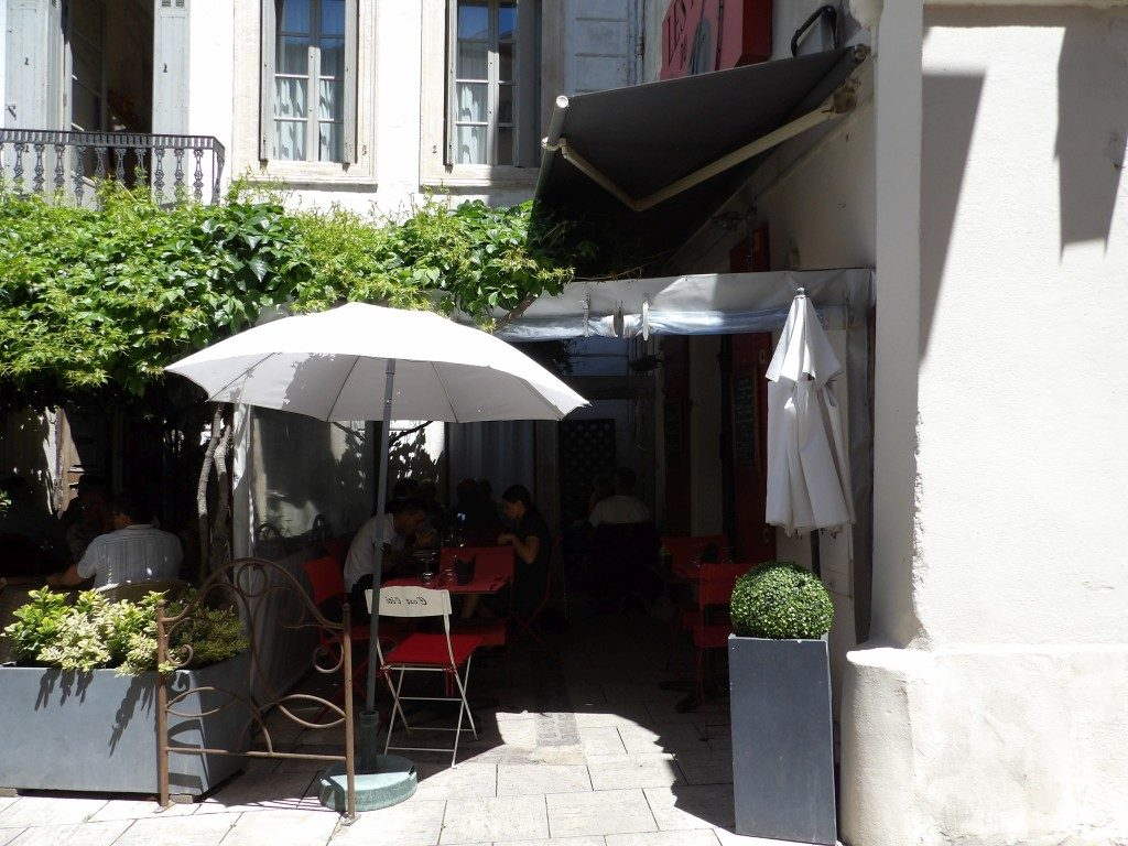terrasse Les Filles du 16 Arles
