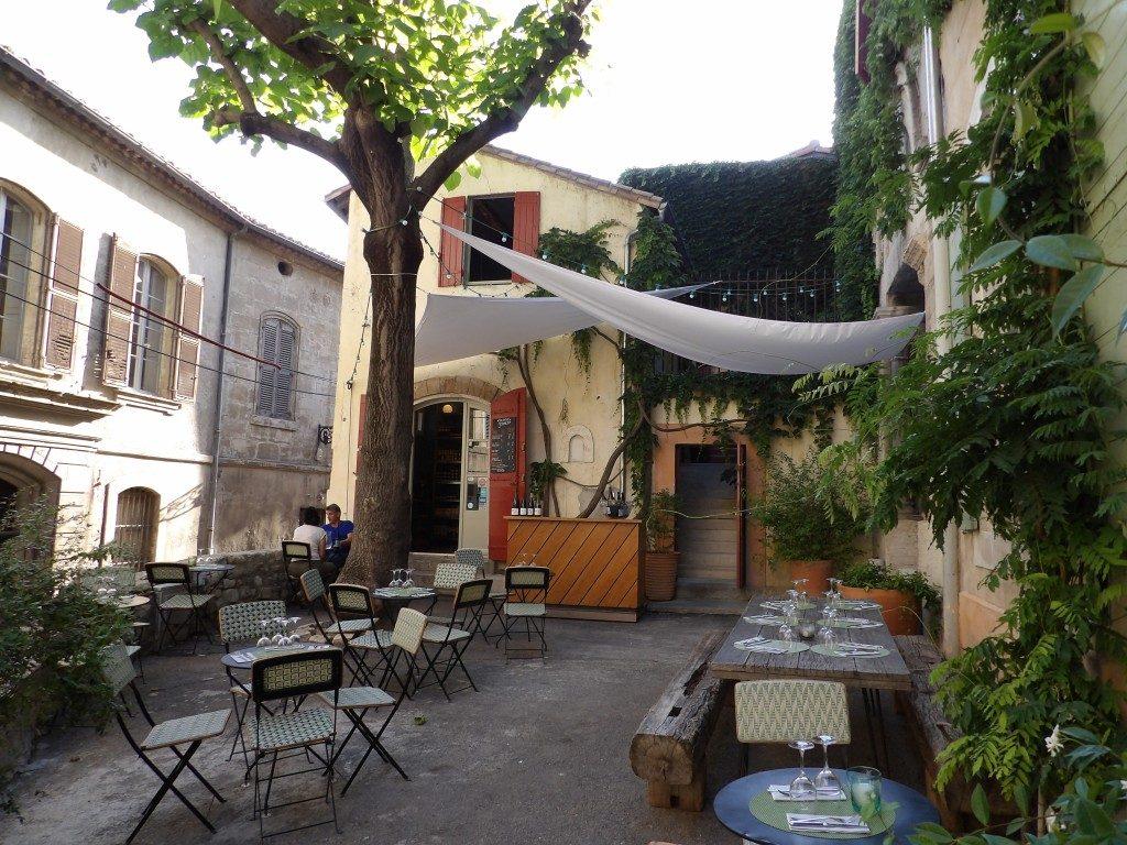 terrasse Epicerie du Cloître Arles