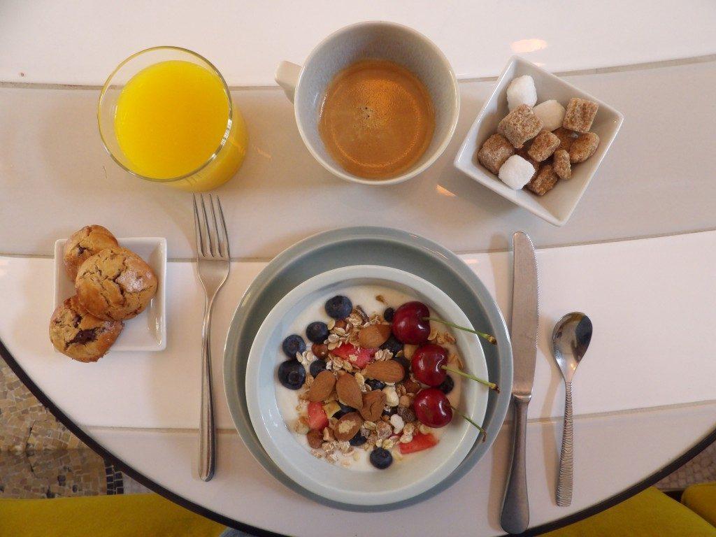 petit déjeuner Hôtel du Cloître Arle