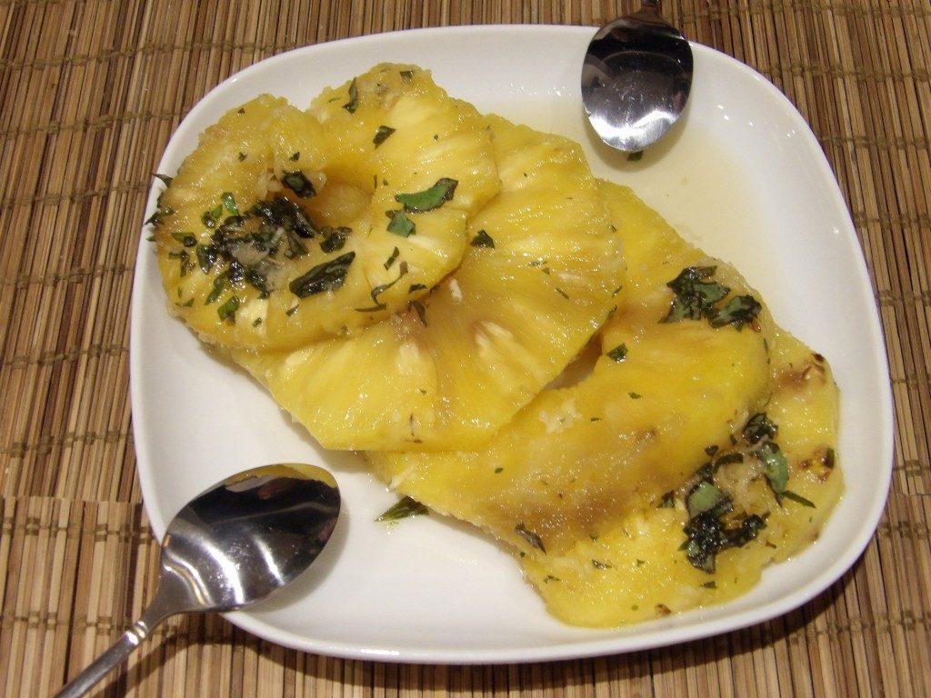 ananas Restaurant Volver Arles