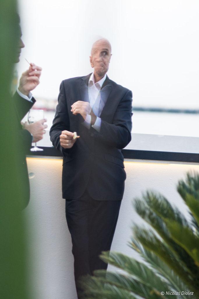Homme sur la terrasse du Palais des Festivals - DR Nicolas Diolez 2018